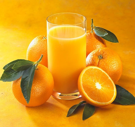 Mỗi ngày nên uống một ly nước cam